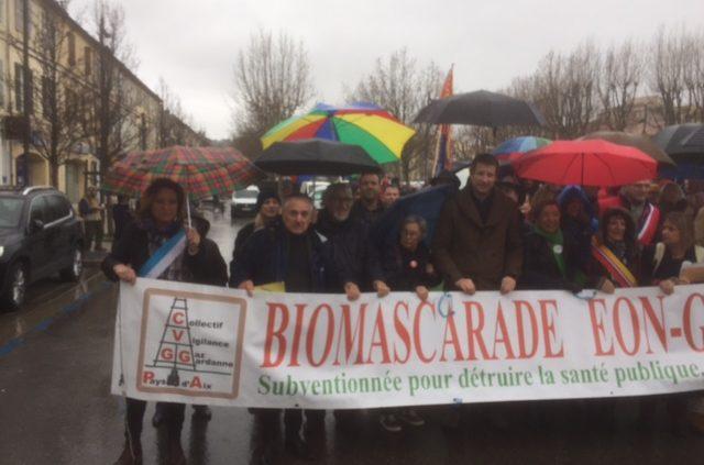 Manifestation à Gardanne - Lucie Desblancs et le Parti Citoyen d'Allauch contre la centrale à Biomasse