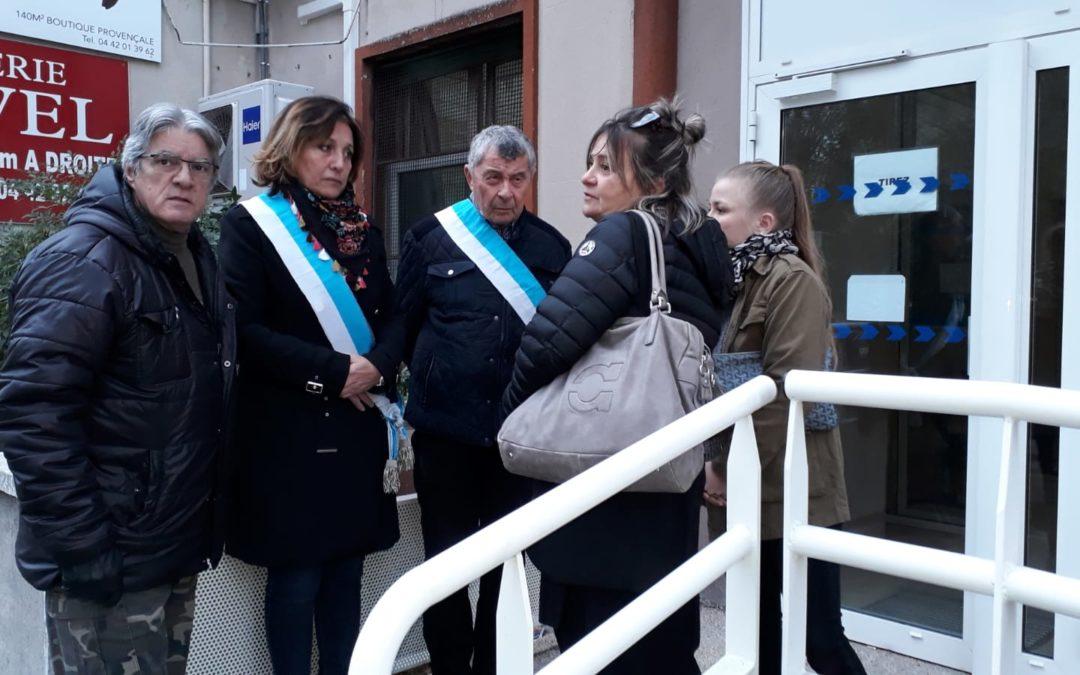 Lucie Desblancs et ses colistiers de Allauch le Renouveau en soutien de la jeune allaudienne agressée à Aubagne